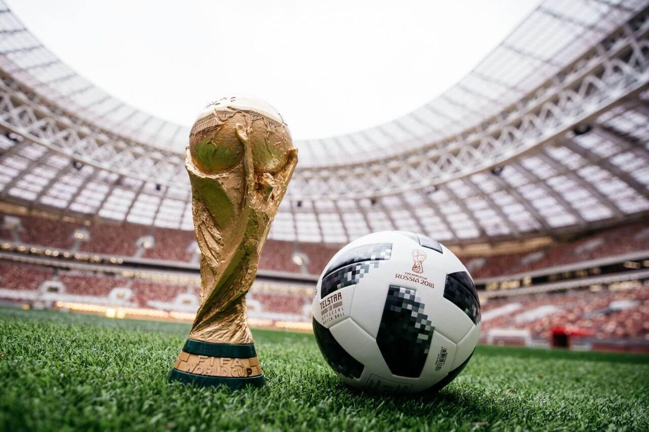 Teamgeist - официальный мяч ЧМ по футболу 2006 г в Германии. | | 853x1280