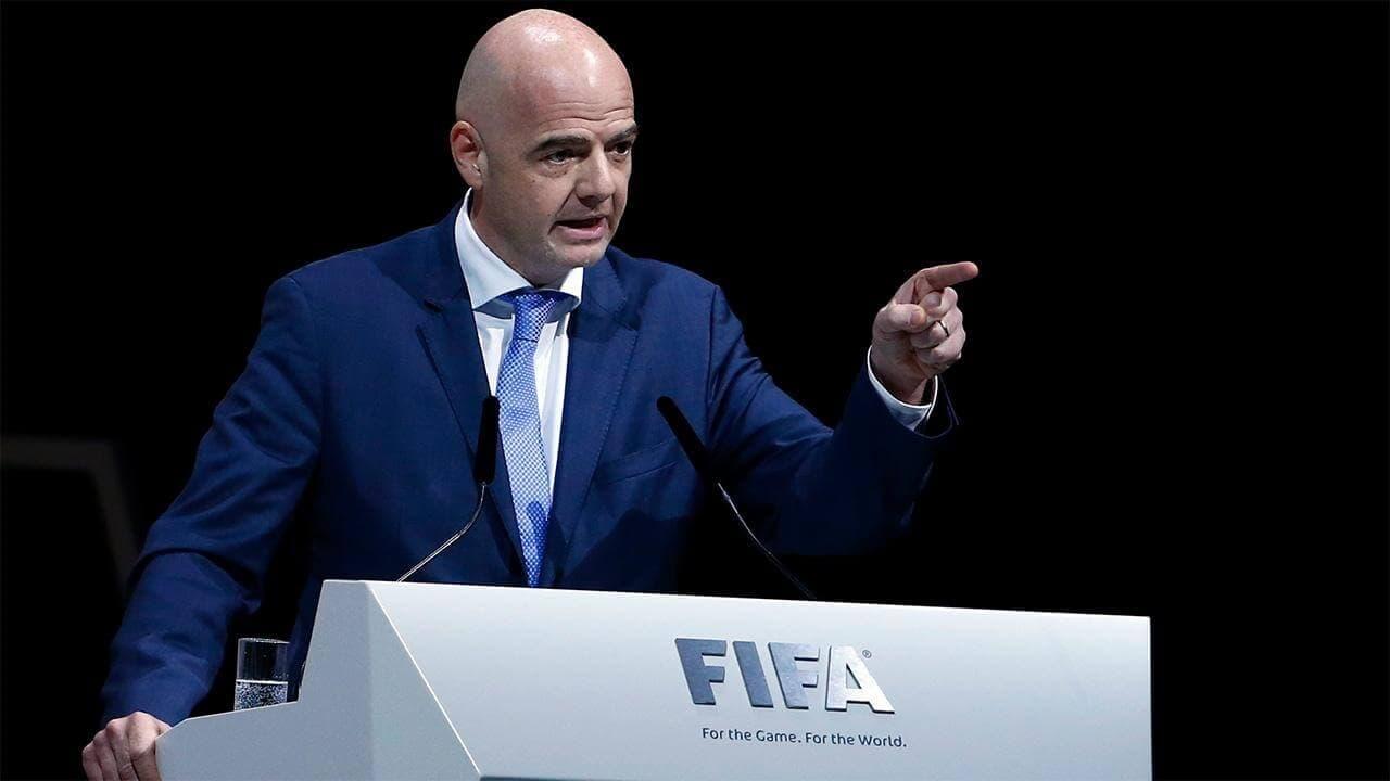 Инфантино пригрозил отлучить от международного футбола участников Суперлиги