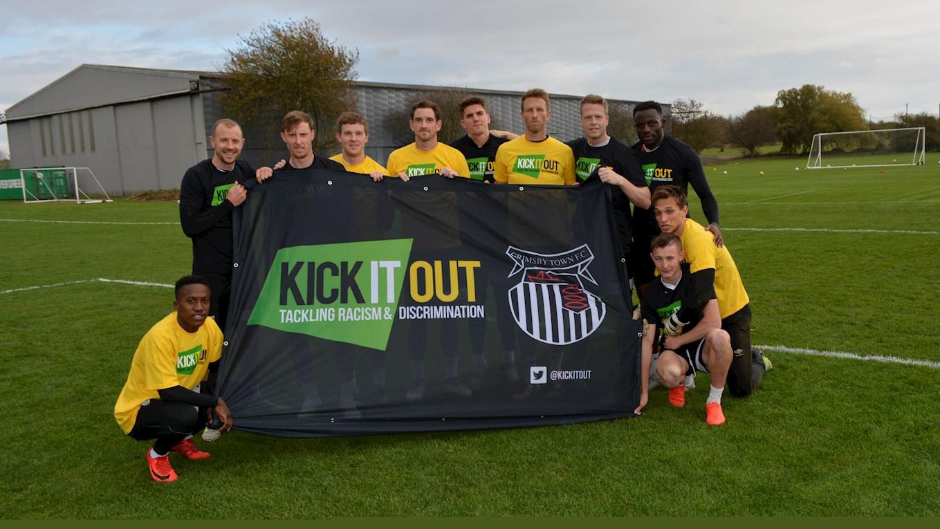 """Kick It Out: """"Уровень дискриминации в английском футболе вырос в три раза"""""""