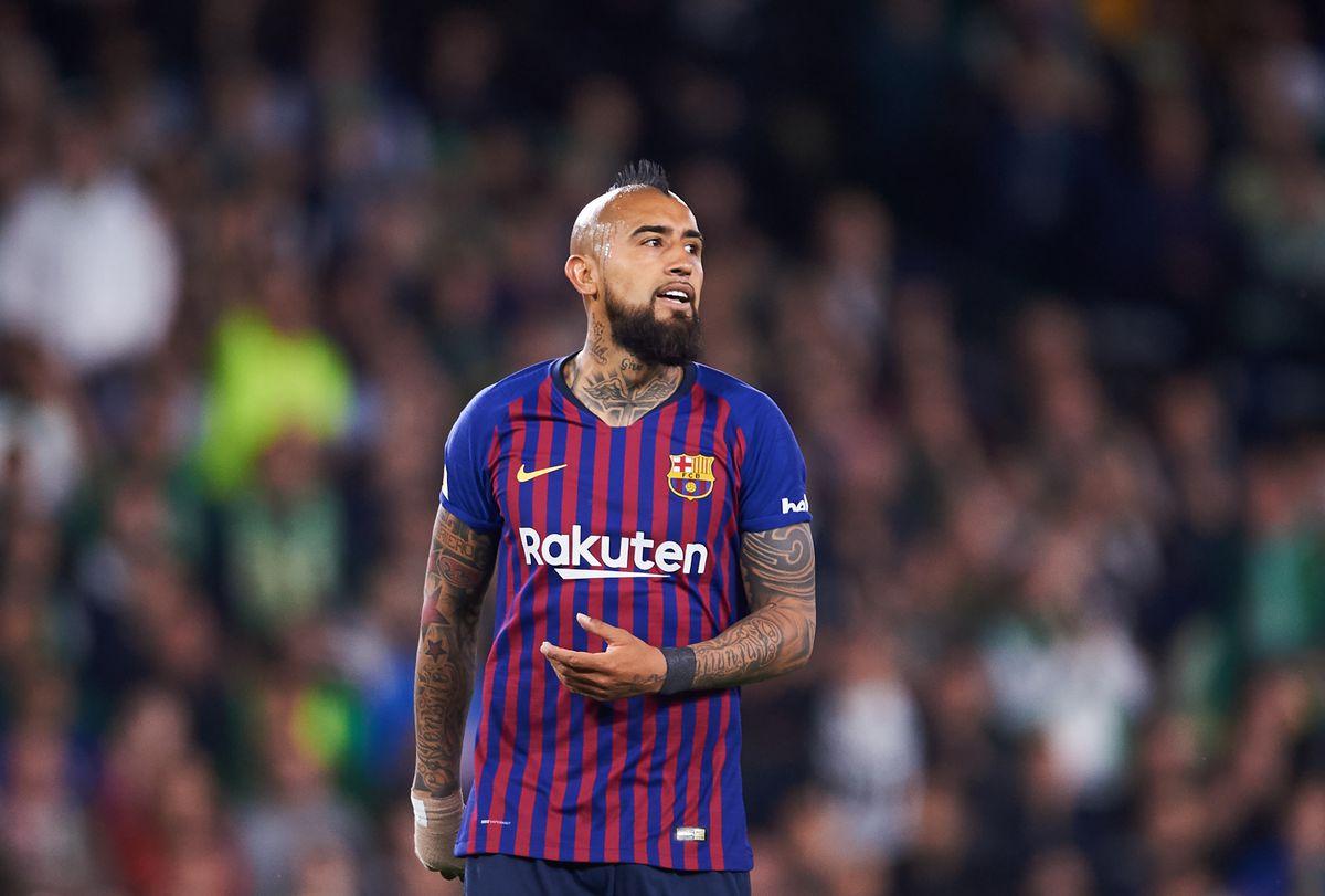 """""""Барселона"""" готова продать Видаля за 20 млн евро. Им интересуются """"Интер"""" и """"ПСЖ"""""""