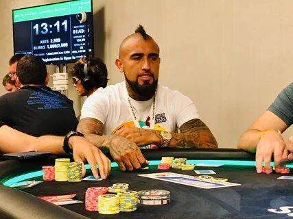 Пике и Видаль выиграли в покер почти 500 тысяч евро
