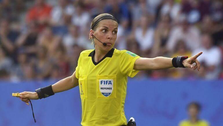 Революция в футболе продолжается: матч за Суперкубок УЕФА рассудит женщина