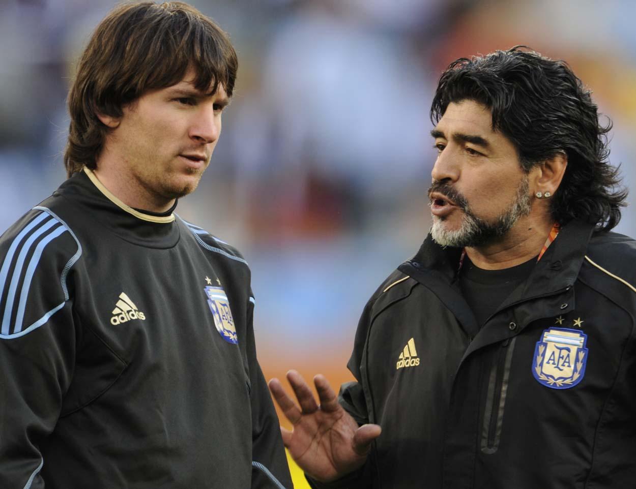 """Диего Марадона: """"Не учил Месси исполнять штрафные, просто сказал бить в центр мяча. Теперь он не промахивается"""""""