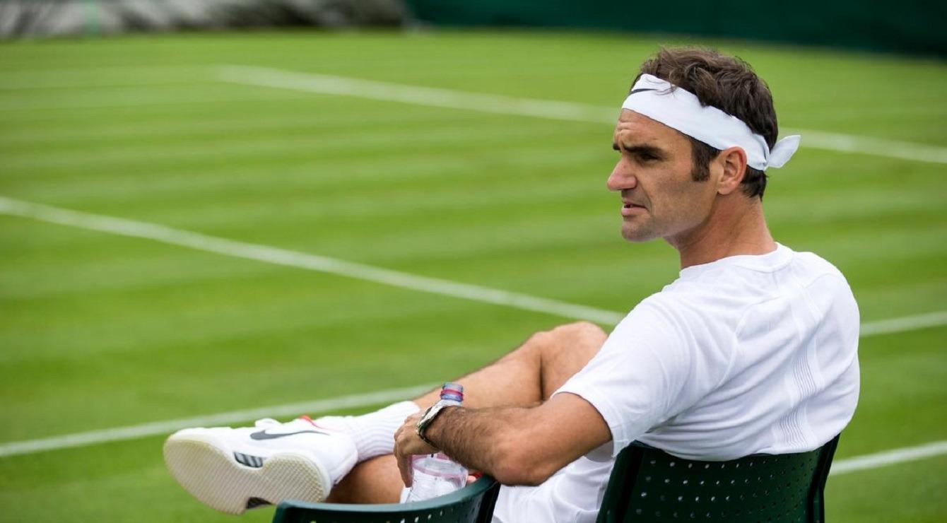 federer tennis trava