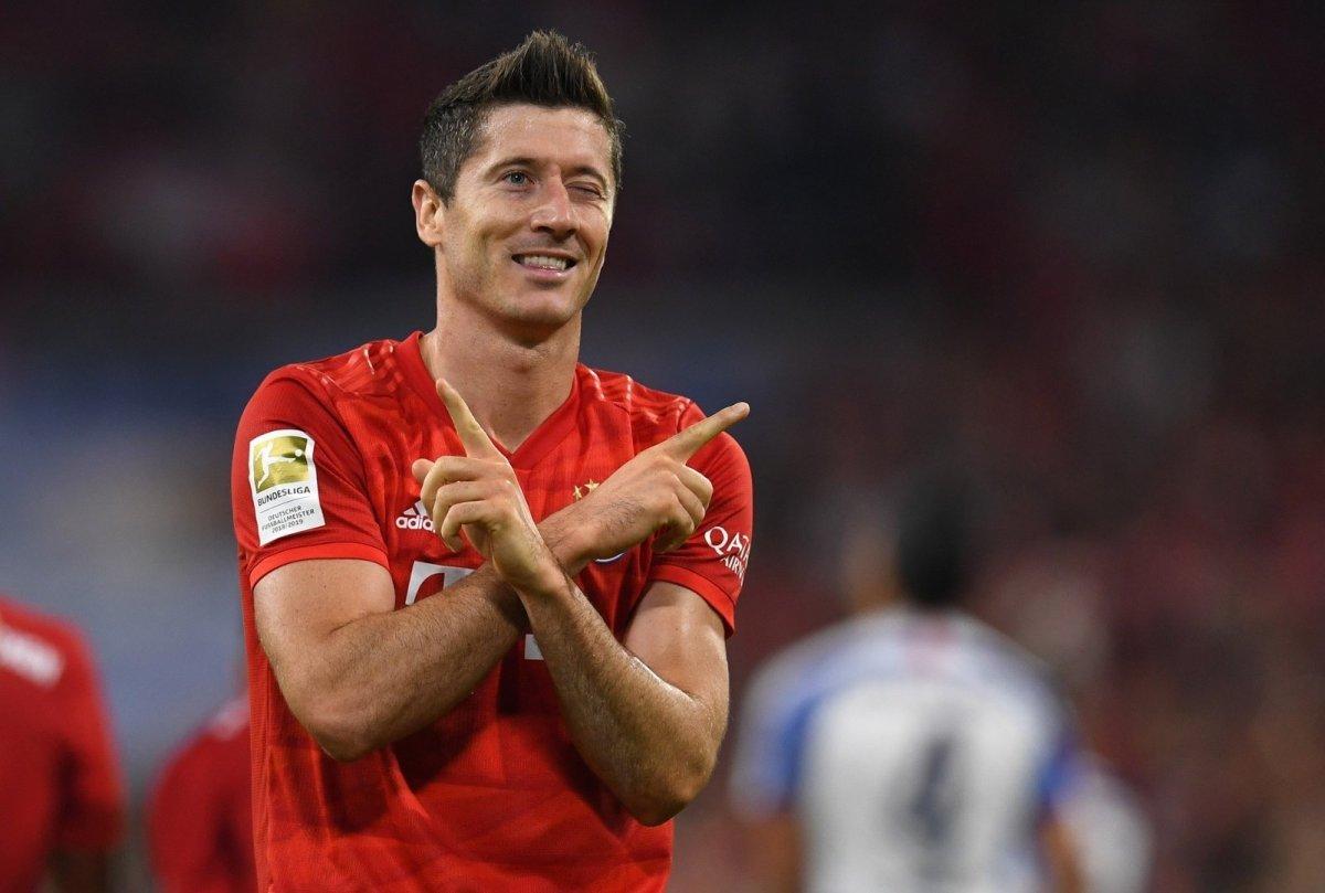 Левандовски забил 9 голов в 5 турах Бундеслиги