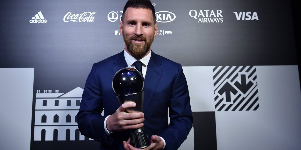"""""""Барселона"""" нашла 17 причин, почему Месси лучший футболист мира"""