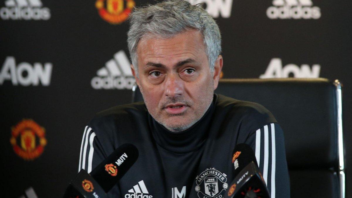 Жозе Моуринью рассказал, почему Санчес потерпел неудачу в Манчестере
