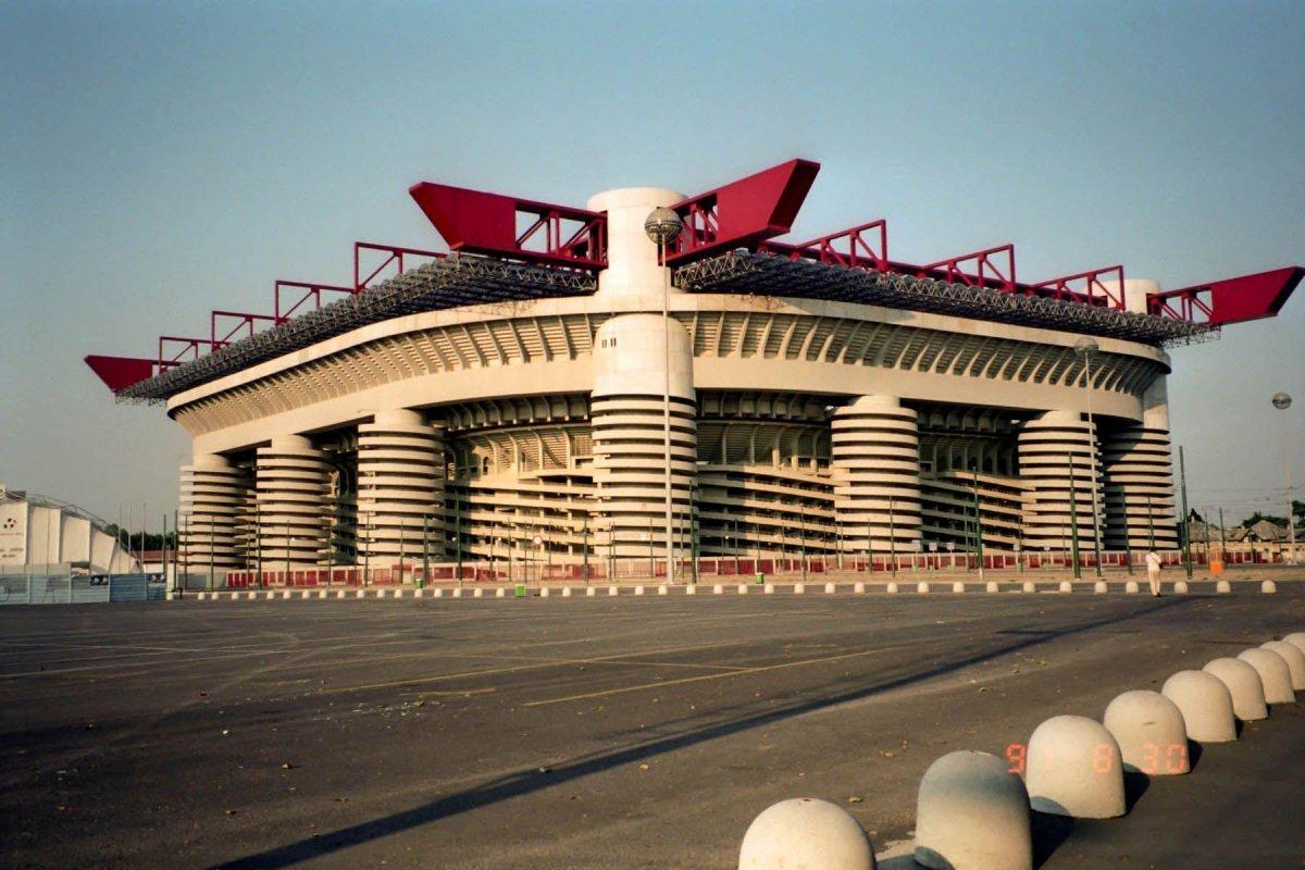 """""""Милан"""" и """"Интер"""" не станут выкупать """"Сан-Сиро"""" за 70 млн евро и хотят построить новую арену"""