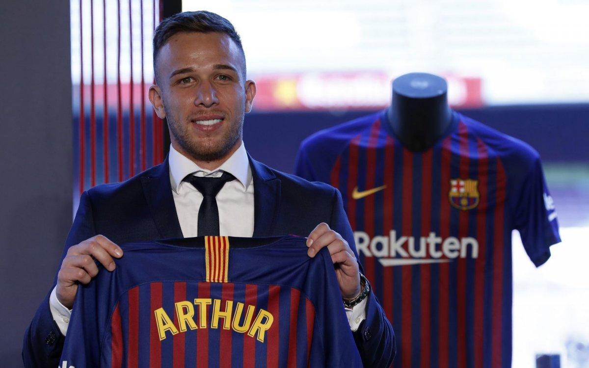 Полузащитник «Барселоны» Артур: «Я должен был принять вызов сборной Бразилии»