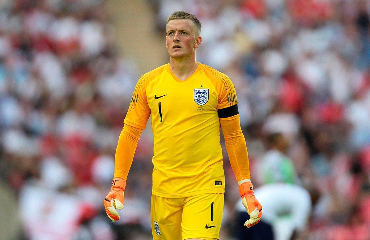 Пикфорд расстроен после поражения сборной Англии от сборной Чехии