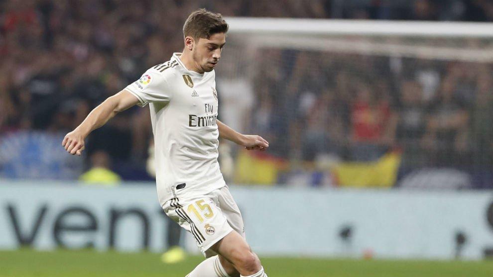 Вальверде подписал новый контракт с Реалом.