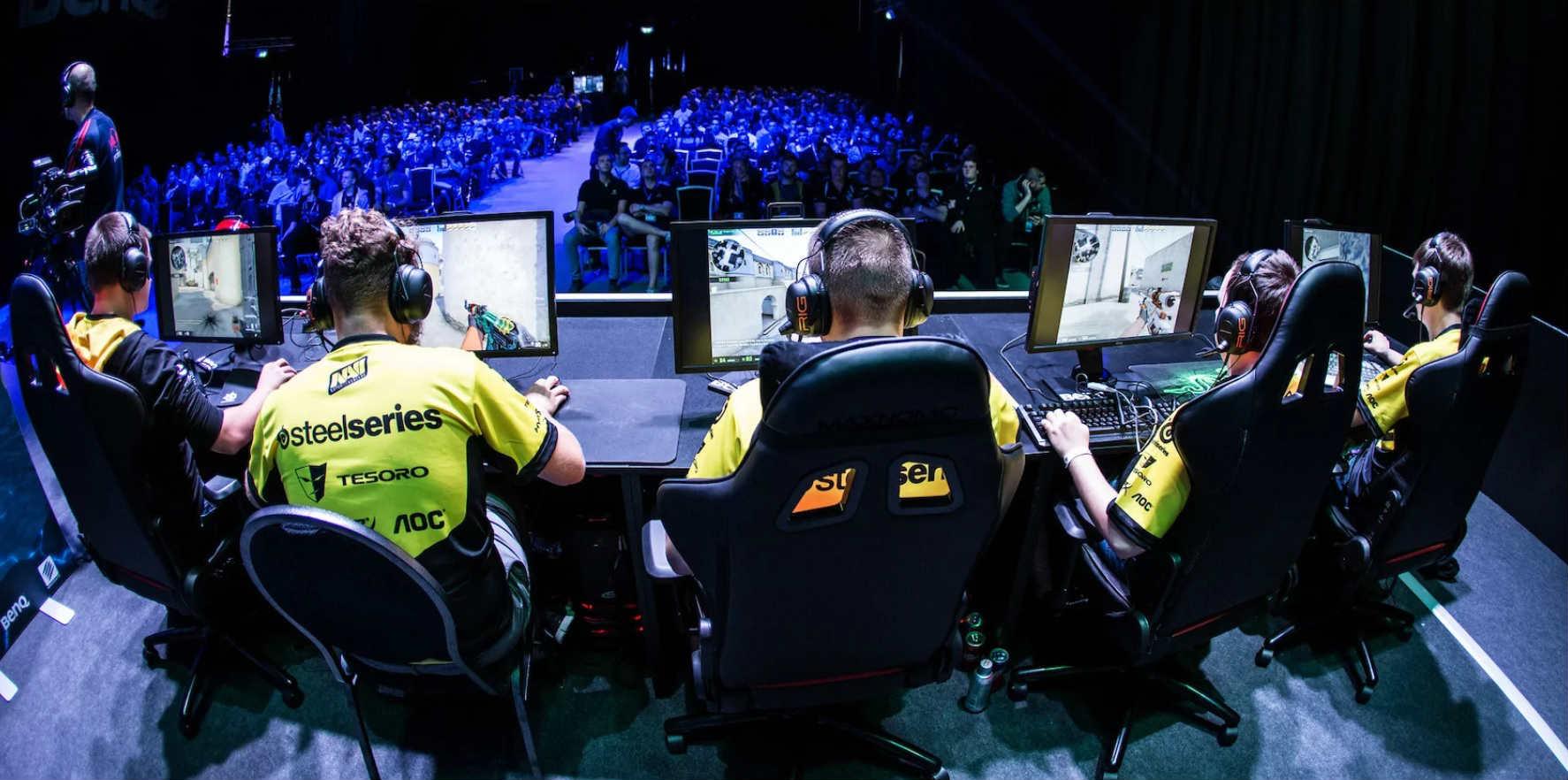 Сколько зарабатывают киберспортсмены CS:GO из России: в месяц и за турнир
