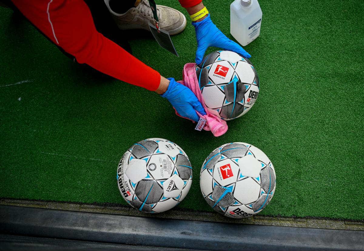 5 futbolistov narushivshih rezhim samoizolyatsii na karantine vo vremya pandemii koronavirusa