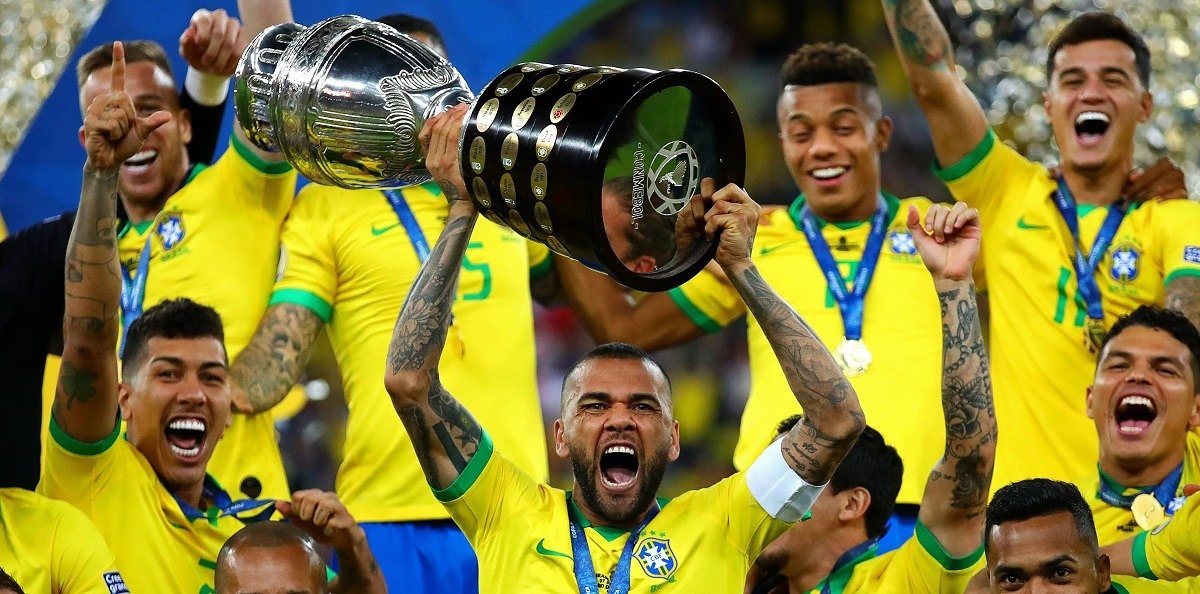 Dani Alves trophies cover
