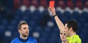 roma spezia pau lopez red card