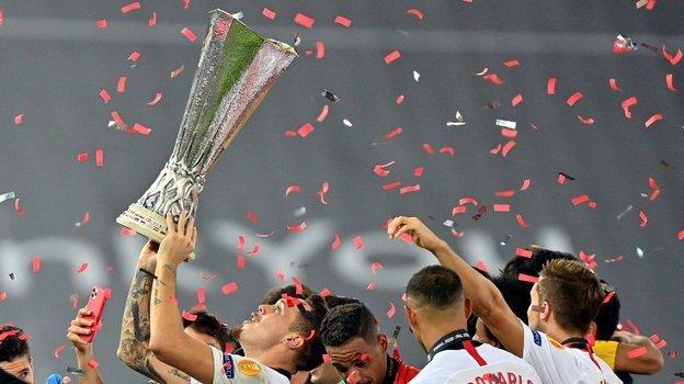 final ligi konferentsij uefa