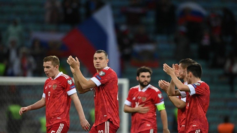 BK Fonbet vernet dengi vsem kto delal stavki na pobedu sbornoj Rossii na Evro 2020