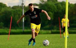 Kak i zachem bukmekery sponsiruyut blogerskie futbolnye kluby