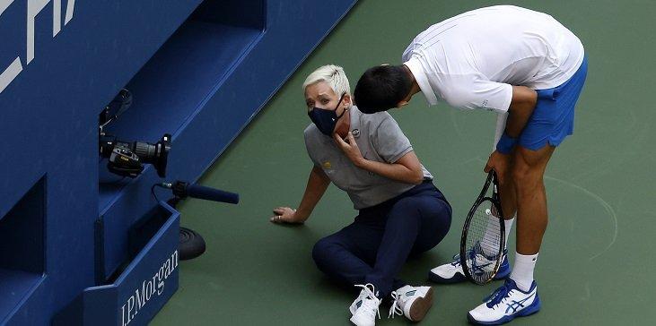 V tennise igrok snyalsya ili otkazalsya prodolzhit igru Kak bukmeker rasschitaet stavku